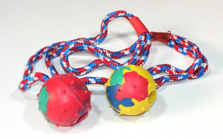 Schleuderball mit Schnur und Glöckchen klein